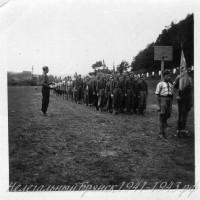 1939 недалеко от Праги Полный строй НТС и скаутов (ОРЮР) Барабанщик В.Хасапов